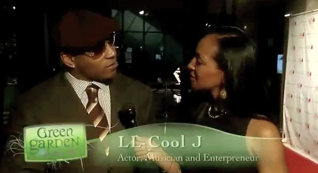 Teresa Kay-Aba Kennedy interviewing LL Cool J at Dr. Oz's HealthCorps Green Garden Gala