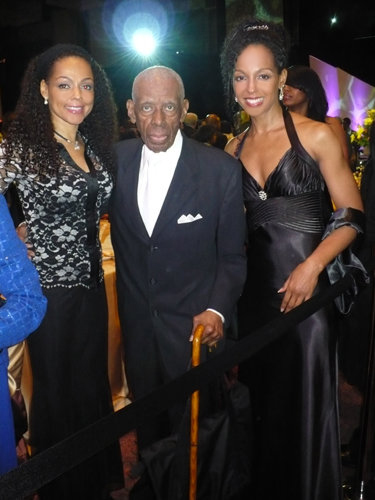 Sheila Kennedy Bryant, Jesse Hill, Jr. and Teresa Kay-Aba Kennedy at the 2010 Salute To Greatness Dinner in Atlanta