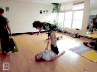 "96-year-old Yoga Master Tao Porchon-Lynch ""Flying"" in an AcroYoga Class"