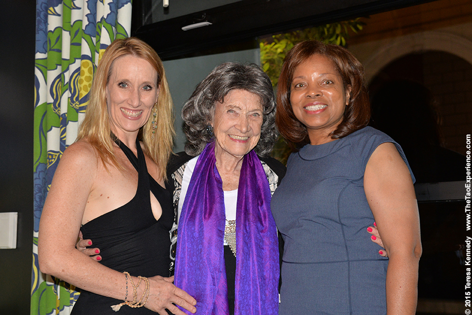 Lorilee Gillmore, Tao Porchon-Lynch and Diana Gregory at True Food restaurant in Phoenix, Arizona - September 24, 2015