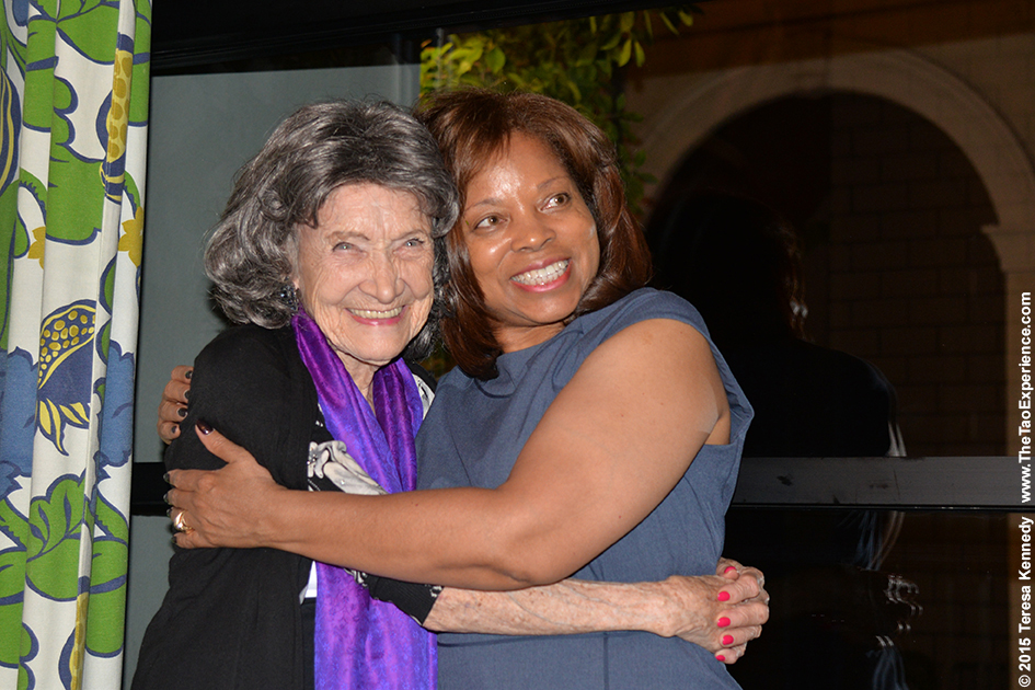 97-year-old Tao Porchon-Lynch and Diana Gregory at True Food restaurant in Phoenix, Arizona - September 24, 2015