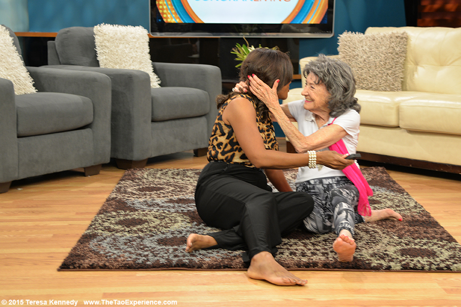 97-year-old Tao Porchon-Lynch with Susan Casper on the set of Sonaran Living Live ABC15, September 25th, 2015
