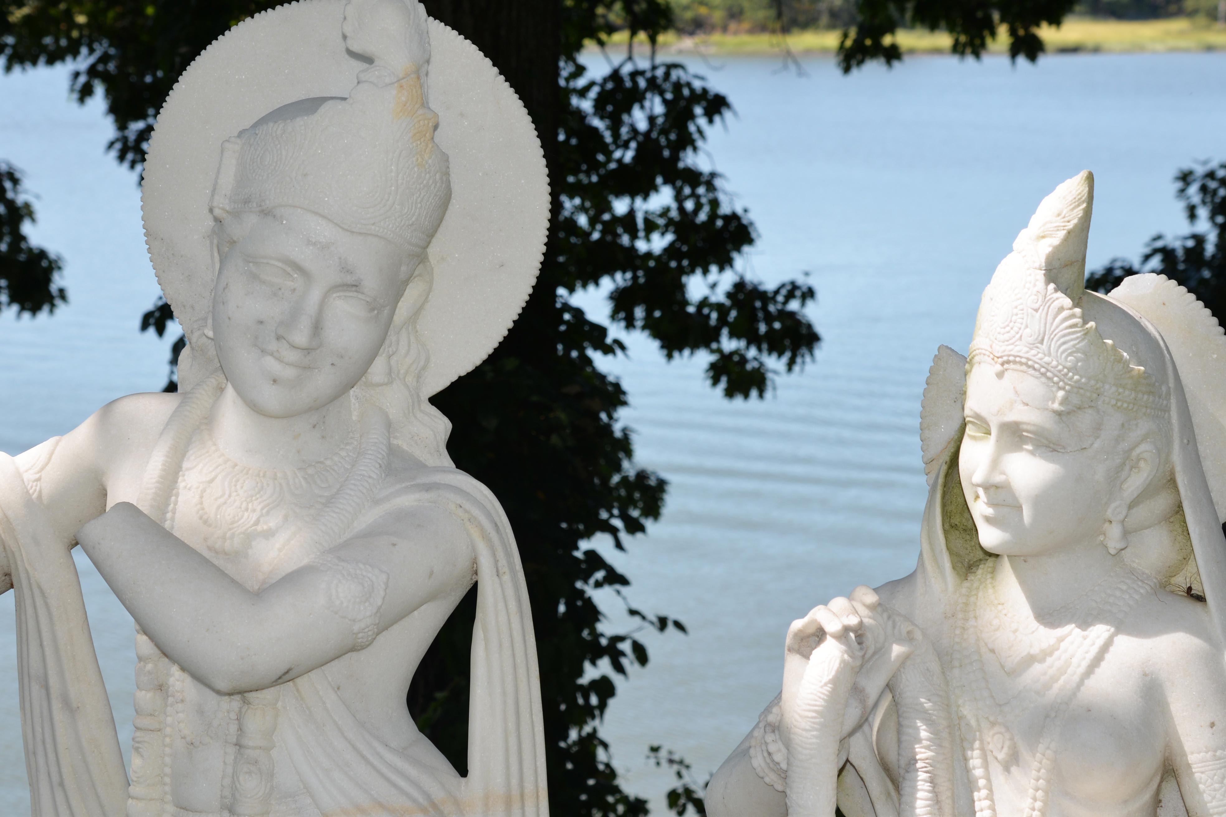 Statues at Wainwright House in Rye, NY