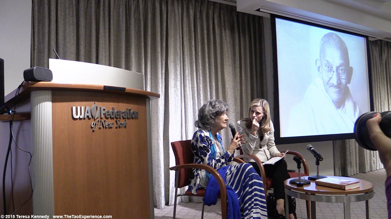 97-year-old yoga master Tao Porchon-Lynch with CNBC's Courtney Reagan at Harvard Business School Club event at UJA Federation in NY, September 30, 2015