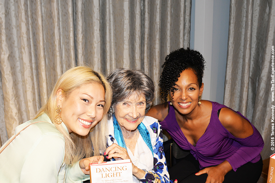 Teresa Kay-Aba Kennedy and 97-year-old yoga master Tao Porchon-Lynch with participant at Harvard Business School Club event at UJA Federation in NY, September 30, 2015